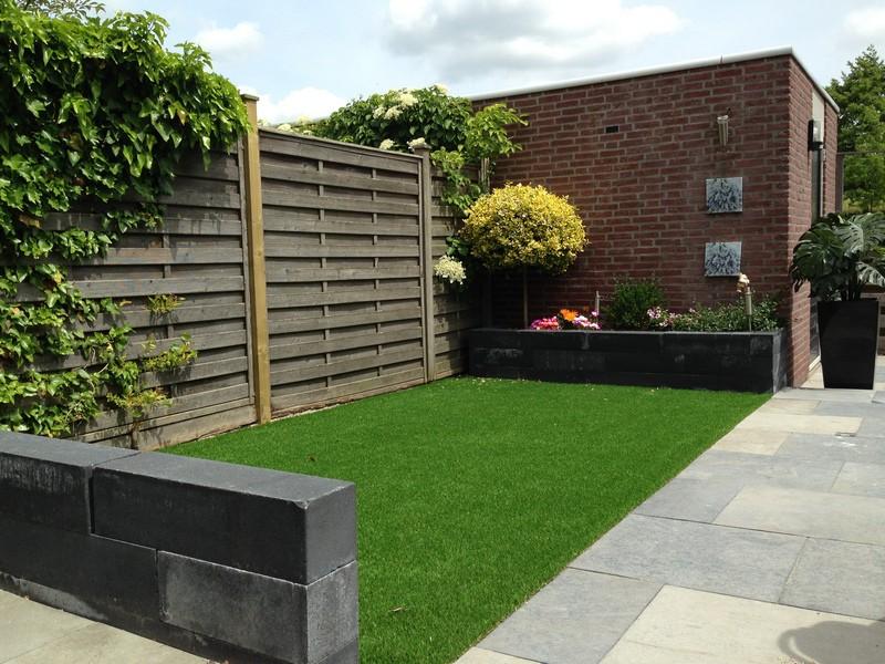 Ontdek de voordelen van kunstgras in de tuin