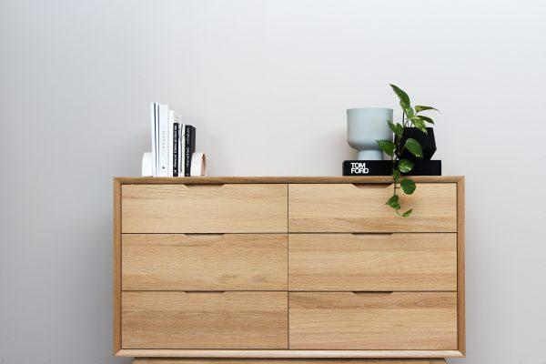 Een mangohouten dressoir: opbergruimte zonder compromis!